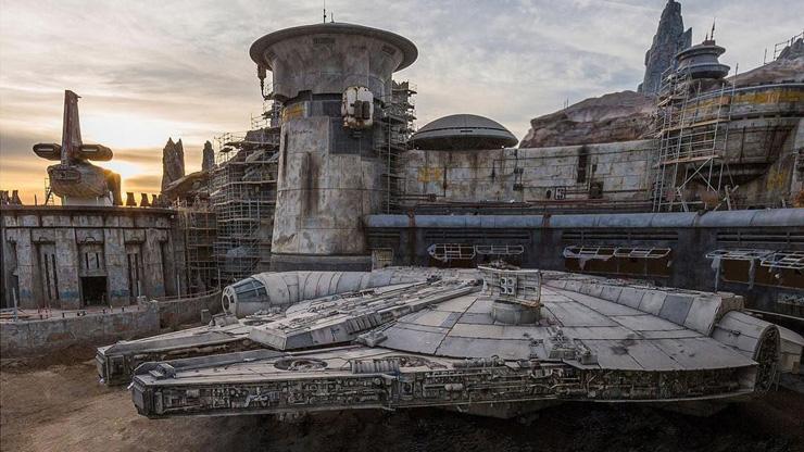 פארק מלחמת הכוכבים דיסנילנד קליפורניה