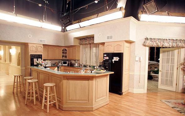 מטבח משפחת סופרנו (שוחזר באולפן), צילום: גטי אימג