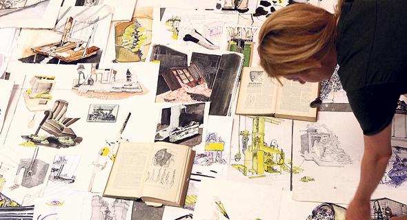 """מתוך """"תהום מריאנה"""" שתוצג במוזיאון הרצליה לאמנות עכשווית.תערוכה שהחלה באוסף מפות נשכח שצייר סבה של אלרואי במשך שנים"""