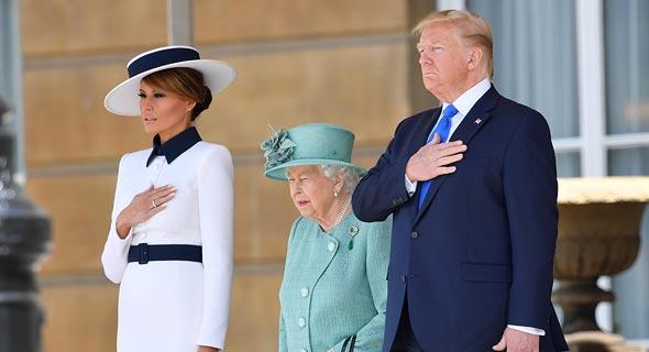"""נשיא ארה""""ב דונלד טראמפ מלכת אנגליה אליזבת ומלניה טראמפ"""