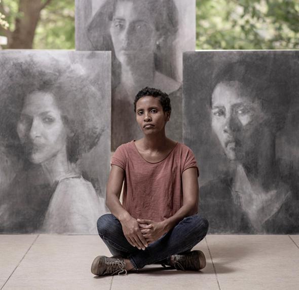 """יוסף רון: """"את כל הזמן צריכה לשאול את עצמך למה את מציירת ולמה עכשיו, ובכל ציור צריכה לקרות הפתעה"""" , צילום: יובל חן"""