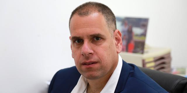 """מחמישה נותרו שניים: עו""""ד אבישי ריינמן פרש מהמירוץ לראשות לשכת עורכי הדין"""
