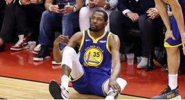 קווין דוראנט פצוע נסחב על ידי שחקני גולדן סטייט גמר NBA משחק 5, צילום: רויטרס