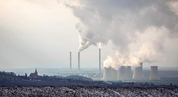 פליטת גזי חממה (ארכיון), צילום: Martin Divisek