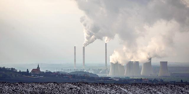 """מדען אקלים בכיר: """"חייבים להפחית את ההשקעה בדלקי מאובנים"""""""