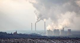 פליטת גזי חממה מבתי זיקוק ב צ'כיה, צילום: Martin Divisek