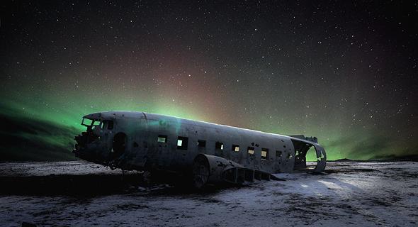 שלדת מטוס דקוטה שהתרסק לפני עשורים באיסלנד