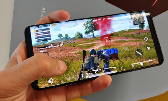 מסך הטלפון: תענוג במשחקים ובסרטים