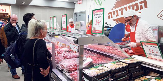 מקצץ בבשר החי: רמי לוי מוותר על הקצבים בסניפים וישווק רק בשר ארוז