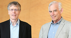 זוכי נובל לכלכלה כריסטופר סימס ולארס פיטר הנסן, היום, צילום: יאיר שגיא