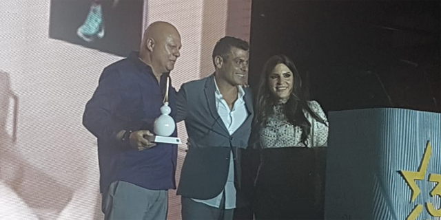 רוני מזרחי מקבל את פרס WALLSTAR , צילום: מזרחי ובניו