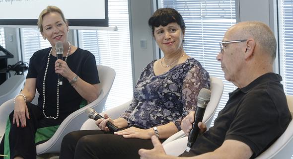 מימין: יאיר שוהם, רותי אדר וג'סטין זוורלינג
