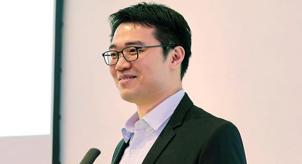 """פרופ' צ'ינגווי ליו, """"אפשר למדוד מזל באופן שיטתי וכמותי ולבנות סביב זה אסטרטגיה  להצלחה"""""""