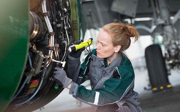 מהנדסת אווירונאוטיקה , צילום: גטי אימג