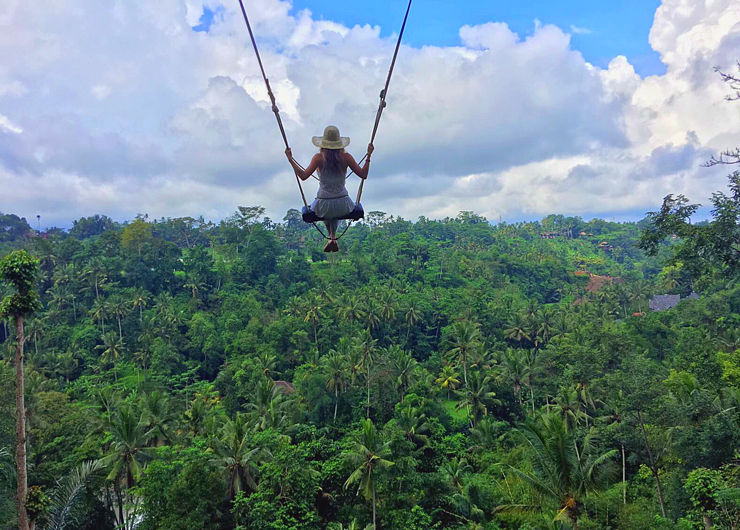 במקום ה-8: סיור כפרים באובוד שבבאלי, כולל נדנדת ענק, שחייה במפל ותצפית על קופים בבית גידולם, צילום: travelingfig