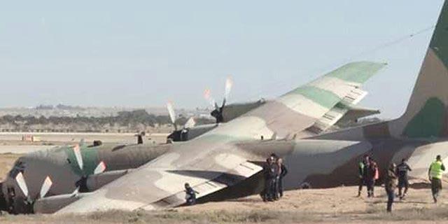 חיל האוויר קרקע מטוסים ותקף את התעשייה האווירית