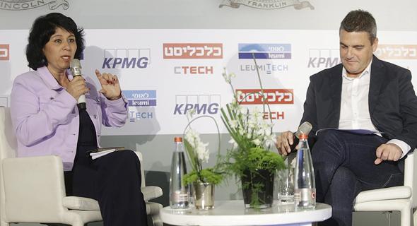 מימין: גולן פרידנפלד וחדוה בר בכנס, צילום: עמית שעל
