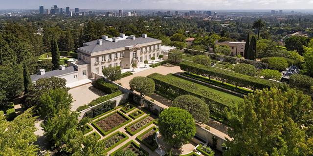 """זהו הבית היקר ביותר שמוצע למכירה בארה""""ב - ומחירו ירד כעת ב-50 מיליון דולר"""