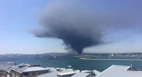 פיצוץ ענק ליד מפעל פטרוכימיים של חברת אינדורמה בספרד, צילום: Craig Bratt