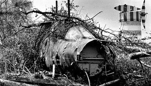 מטוס F104 שהתרסק בחורשה סמוכה לבסיס, צילום: IFS