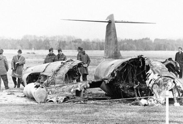 הריסות סטארפייטר שכשל בנחיתה, צילום: historicwings