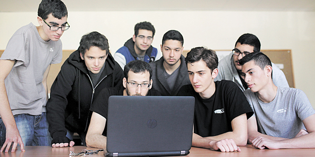 With Tech Talent Too Expensive, Israeli Startups Look to High School