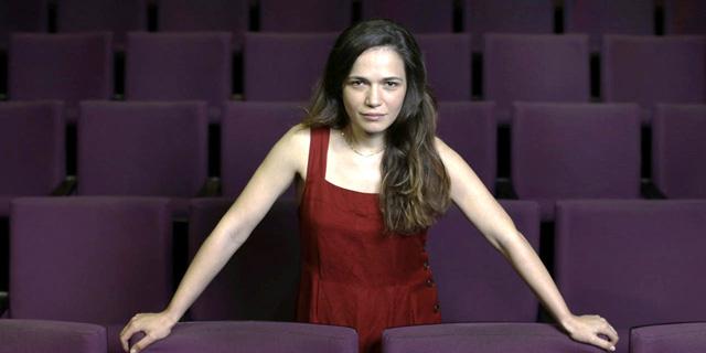 """""""אני לא אנטי דת"""": גאיה שליטא כץ משחקת נערה חרדית שכופים עליה להנשא בהצגה """"מקווה"""""""