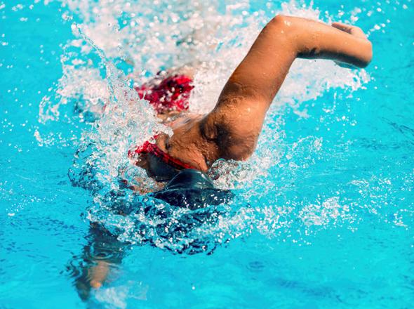 עבודה על סגנון. משפרת את הסיבולת, שמשפיעה יותר מכל על קצב השחייה