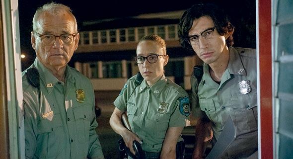 """מימין: אדם דרייבר, קלואי סביני וביל מאריי ב""""המתים אינם מתים"""". הזומבים הם אנחנו"""