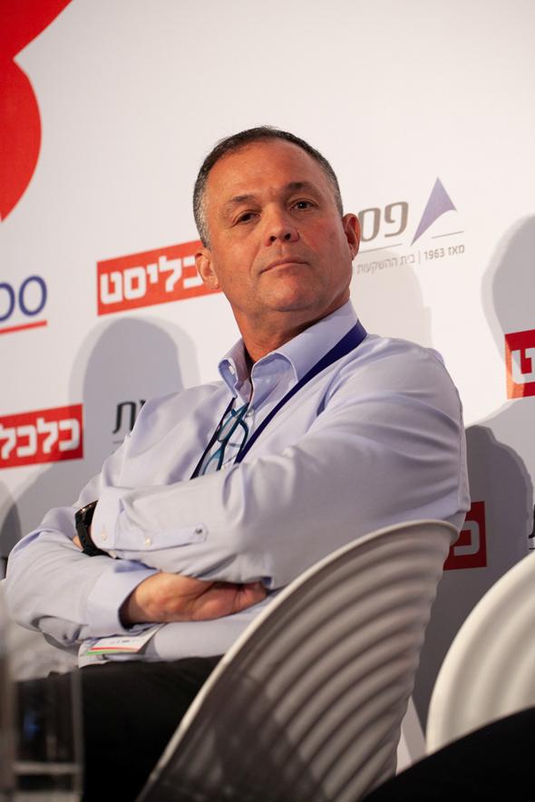 מנהל ההשקעות הראשי במנורה מבטחים ניר מורוז