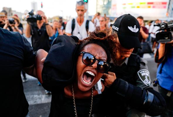 המחאה בצומת עזריאלי, צילום: איי אף פי