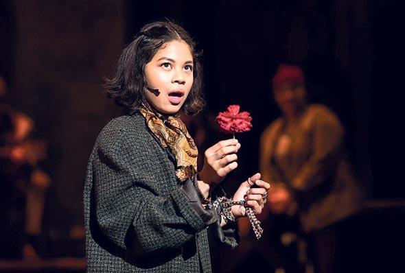 """מתוך """"Hadestown"""". """"הכי טוב שיש"""", צילום: National Theatre"""