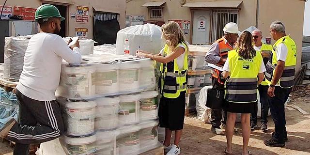 צוותי הבטיחות של ההסתדרות הגיעו לאתרי הבנייה בכפכפים