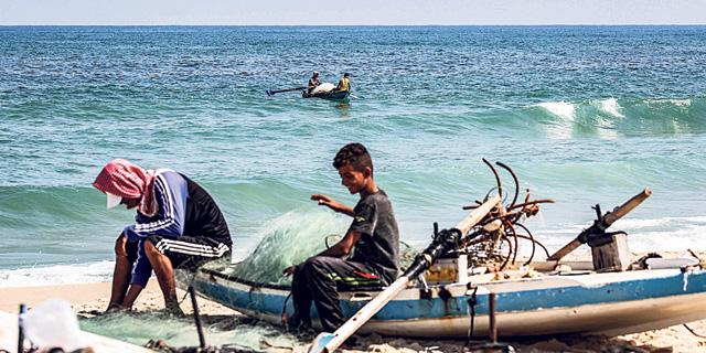 מרחב הדיג בעזה: כלי ענישה יעיל או יריה עצמית ברגל