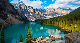 פוטו העמקים היפים בעולם קנדה Valley of Ten Peaks, צילום: שאטרסטוק