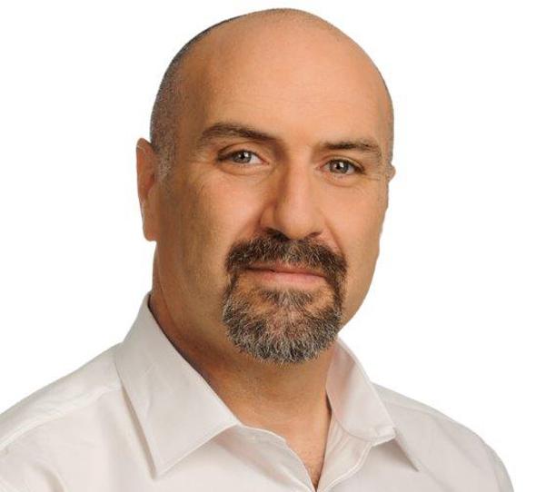 """ד""""ר רוני בן שפרוט, צילום: איל יצהר"""