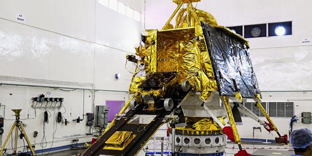 """גם הם לא יגיעו לירח: השיגור של """"בראשית ההודית"""" נעצר רגע לפני"""