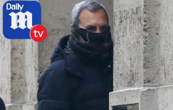 אהוד ברק בכניסה לבית של אפשטיין ינואר 2016,  צילום: מתוך דיילי מייל