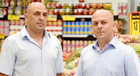 מימין: שלומי ויוסי אמיר, הבעלים של פרשמרקט, צילום: מורג ביטן