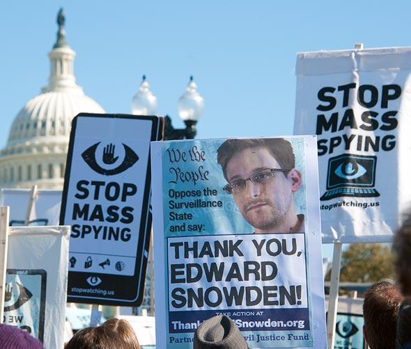"""הפגנה נגד ניטור המוני בארה""""ב"""