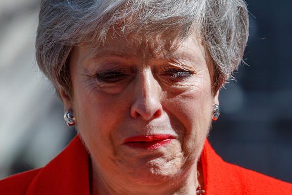 ראשת הממשלה הקודמת תרזה מיי. התפטרה מתפקידה לאחר שכשלה לאשר את ההסכם בפרלמנט