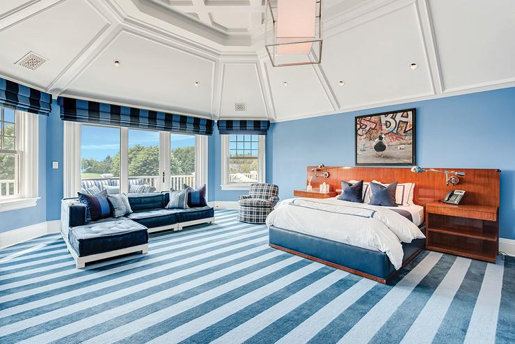 אחד מ-11 חדרי השינה