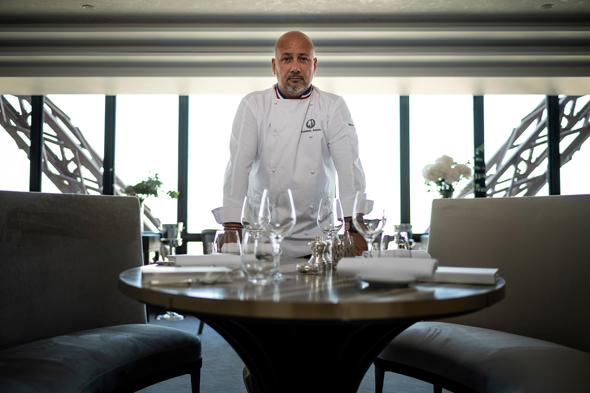 השף החדש פרדריק אנטון. ארוחה ב־230–105 יורו לאדם, צילום: אי.אף.פי