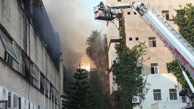השריפה במתחם המדעטק בחיפה