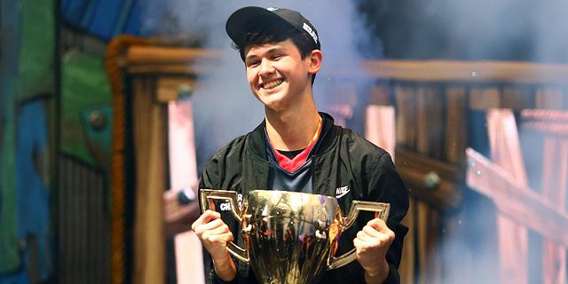 אלוף העולם בפורטנייט, בן 16, זכה בפרס של 3 מיליון דולר
