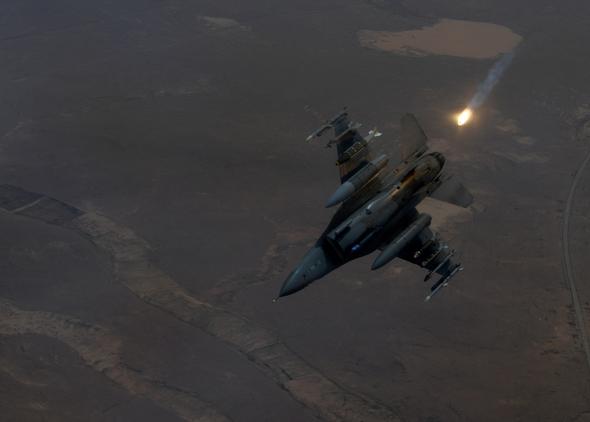 F16 מתהפך לצלילה