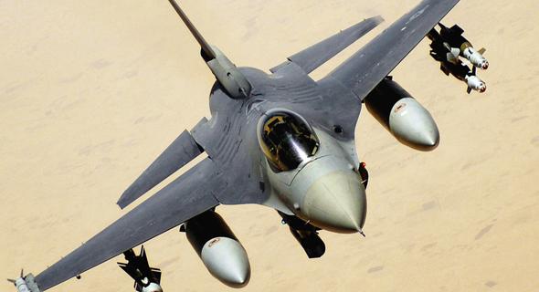 F16 אמריקאי בטיסה