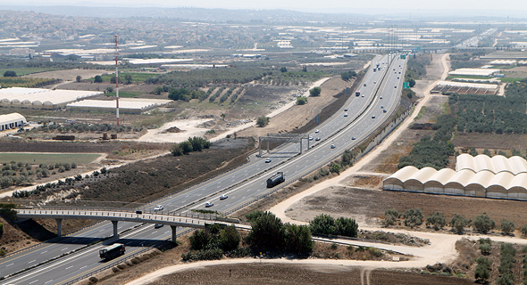 Israel's Highway 6. Photo: Amit Sha'al