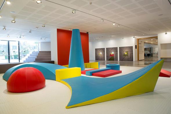 """תערוכה לילדים """"טנגרם"""" מוזיאון ת""""א, צילום: פלורה דבורה"""