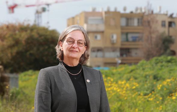 """דניאלה פוסק, יו""""ר הוועדה המחוזית. 71 דונם לשטחים ירוקים ו־71 דונם למבני ציבור"""